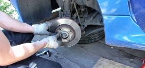 Conseils mécanique : changer les plaquettes et les disques de freinage